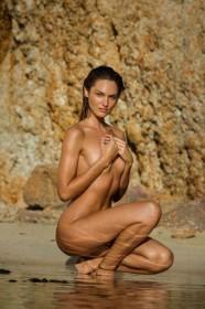 Candice Swanepoel Naked Photo