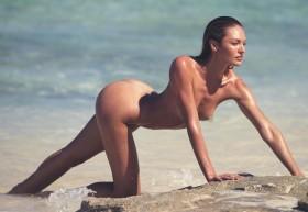Hot Candice Swanepoel Nude