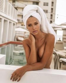 Hot Sandra Kubicka Nude