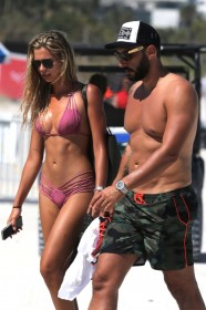 Hot Sandra Kubicka in bikini