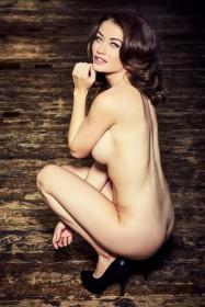 Jess Impiazzi Nude Photo