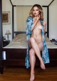 Kaili Thorne Nude Photo
