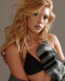 Katheryn Winnick hot