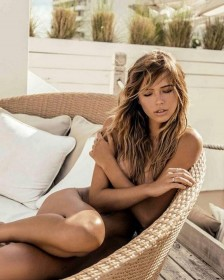 Sandra Kubicka Naked Pic