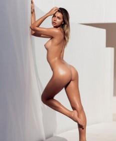 Sandra Kubicka Nude Pic