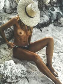 Sandra Kubicka Tits Pic