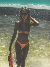 Sandra Kubicka Topless Pic