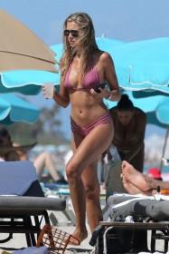 Sandra Kubicka sexy body