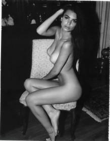 Emily Ratajkowski Naked Sexy Body