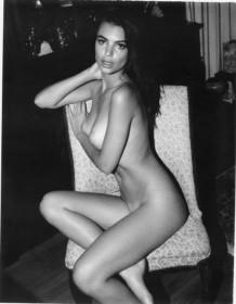Emily Ratajkowski Nude Old Photo