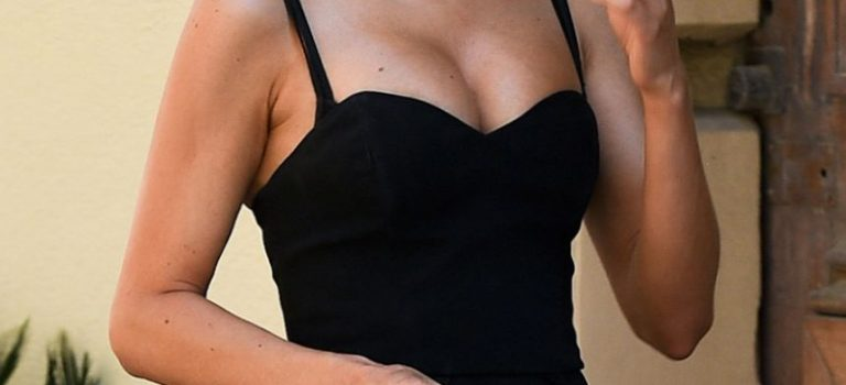 Kimberley Garner Sexy (25 Photos)
