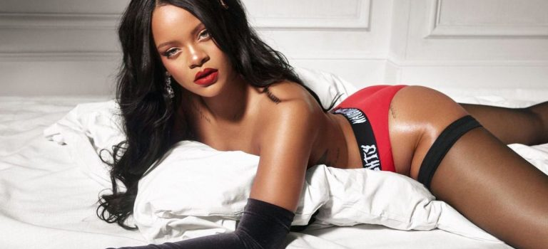 Rihanna Topless (2 Photos)