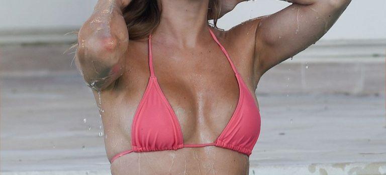 Kimberley Garner in bikini (20 Photos)